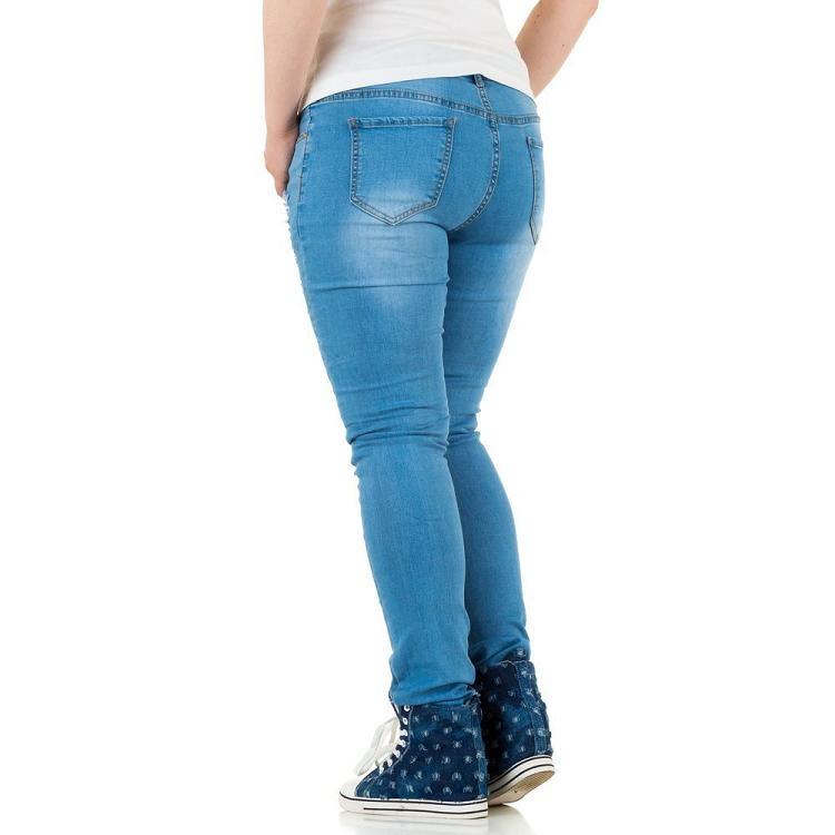 Altijd de perfecte jeans voor vrouwen met een maatje meer. Bij Meyer-Mode vindt u grote maten dames jeans in veel verschillende stijlen. Van de klassieke 5 pocket spijkerbroek tot jeans .